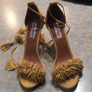 Steve Madden Sassey Suede tassel sandals